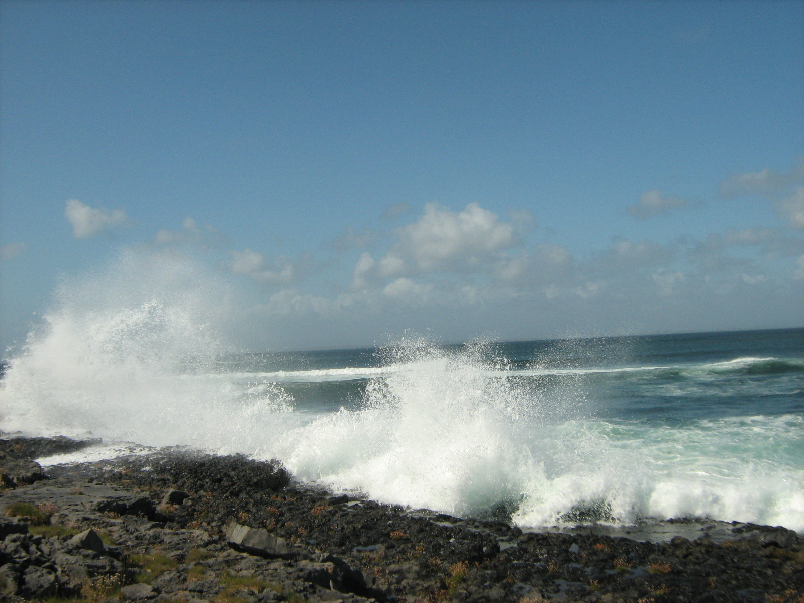 útesy na ostrově Inishmore