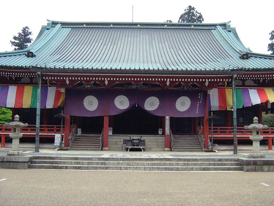 chrám na hoře Hiae