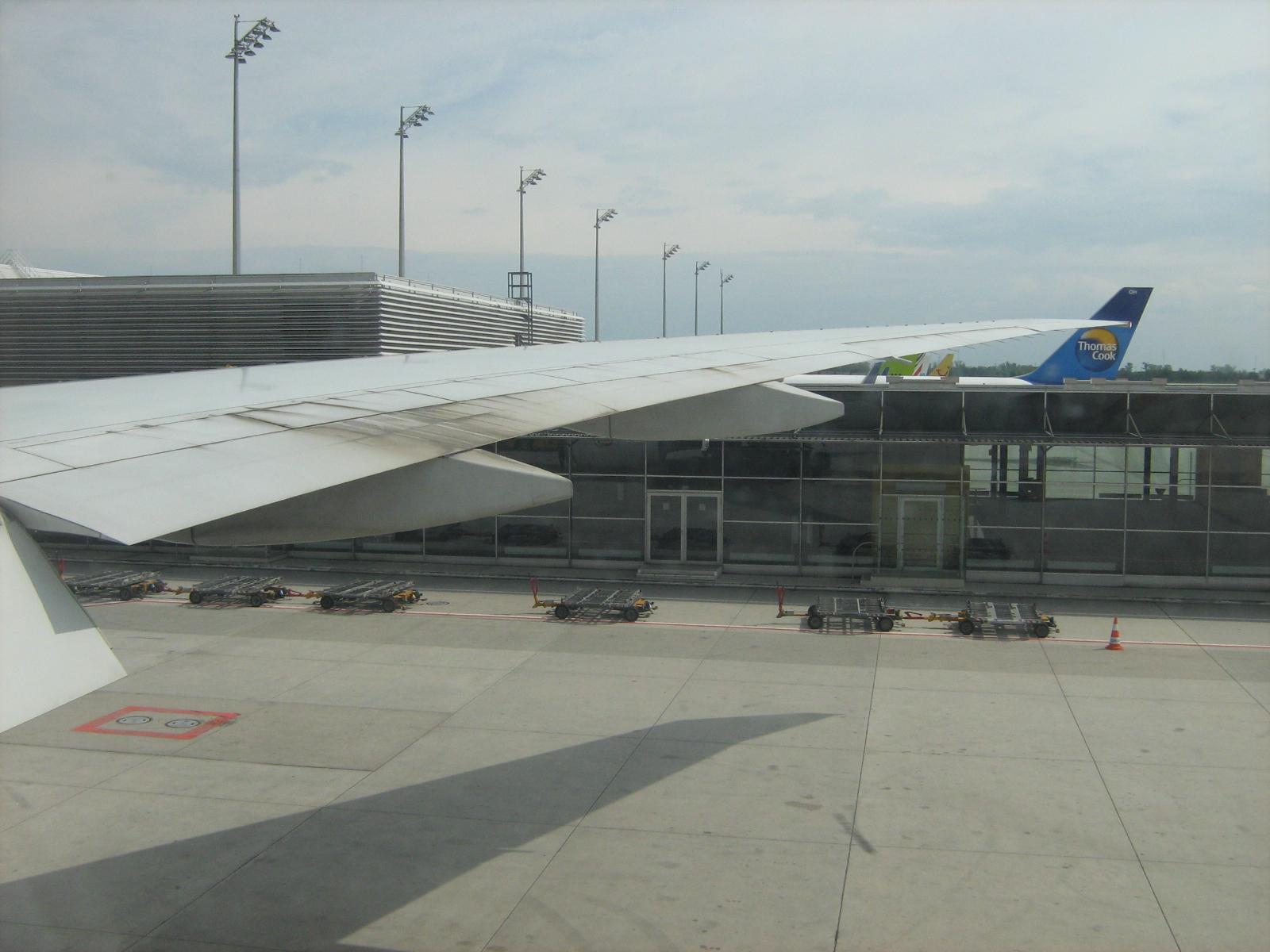 Těsně před odletem z mnichovského letiště.