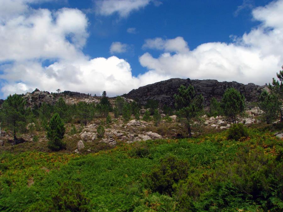 kraj chvílemi připomínající některé národní parky USA
