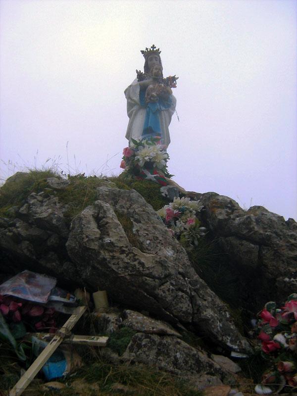 památníček na jednom z vrcholků