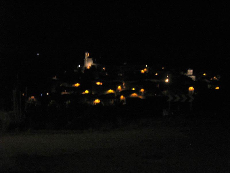 noc ve vesničce Sansol